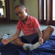 Child worshipping God